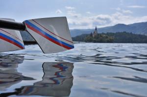 vesla in otok